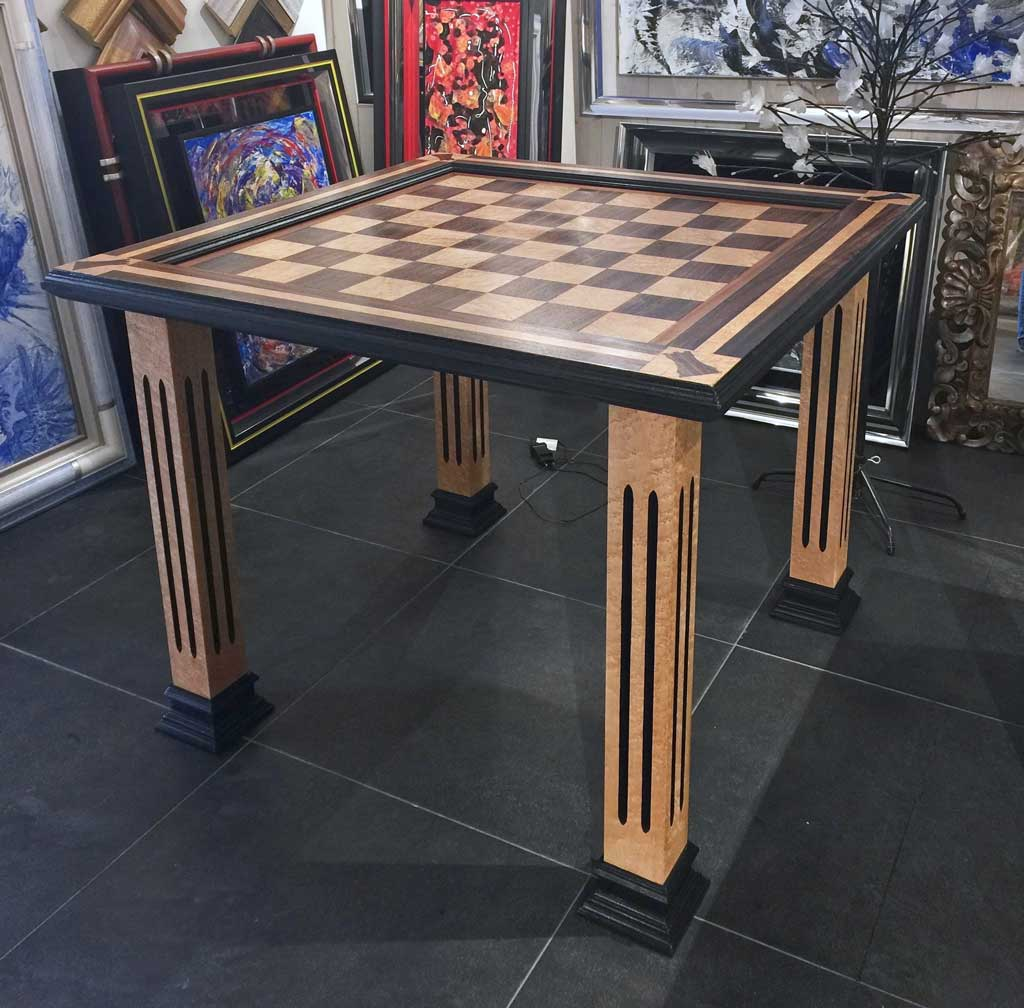 øø Table Echiquier 1